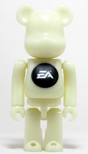 Be@rbrick Sports EA Sports (GITD) 1000% Icon