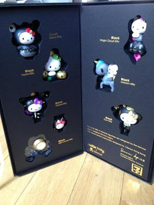 Tokidoki Hello Kitty 7-Eleven Black Cloud Kitty (Chase)