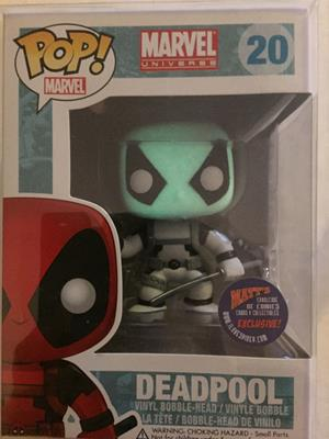 Funko Pop! Marvel Deadpool (Black & White) (Glow Head - Error)